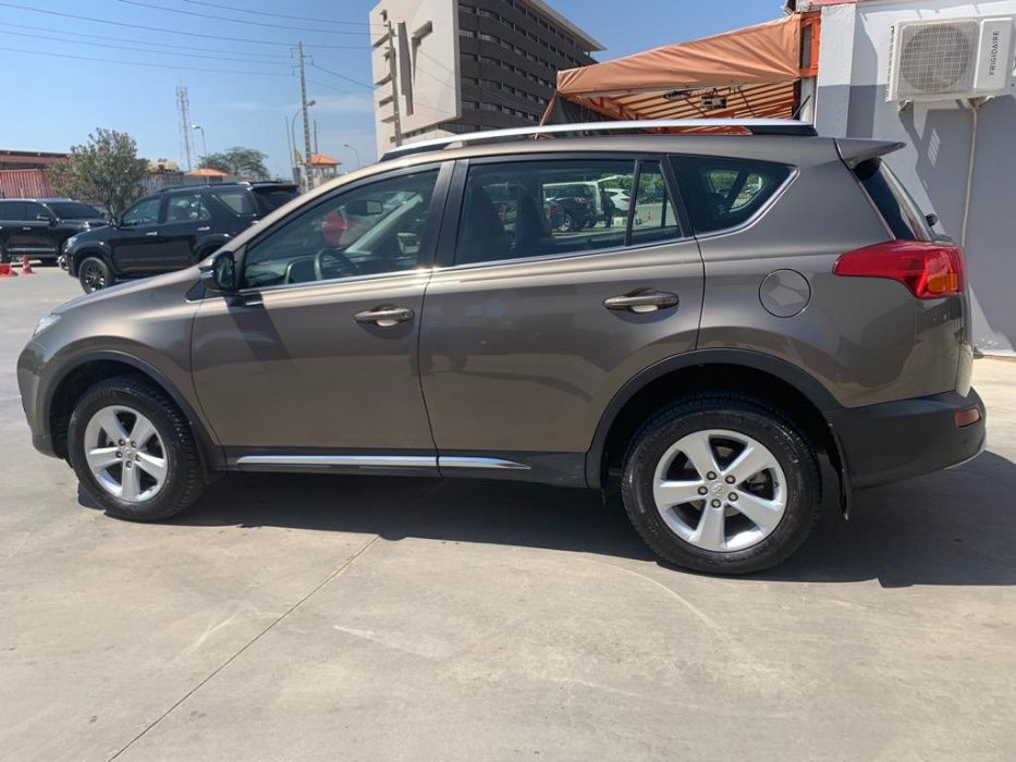 Toyota Rav.4 - Como NOVO - início em 2015 - LDA!