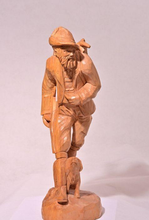 "Statueta lemn ,,Vanatorul"""