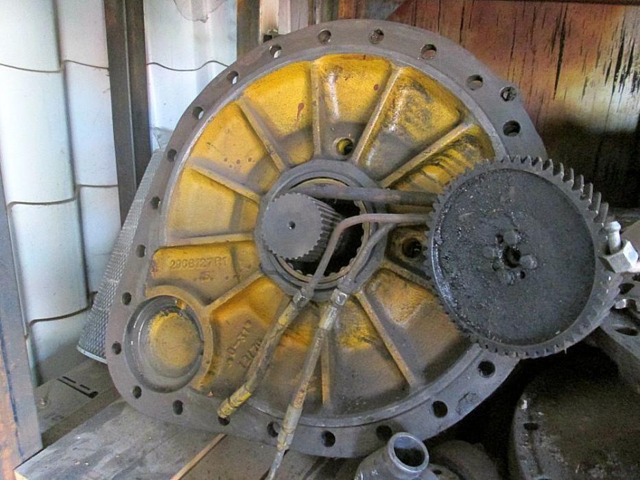 Transmisii si ambreiaje de buldozer Hanomag 600C .