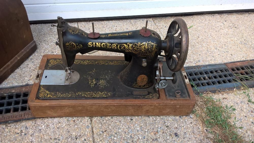 Masina de cusut Singer antica de colecție