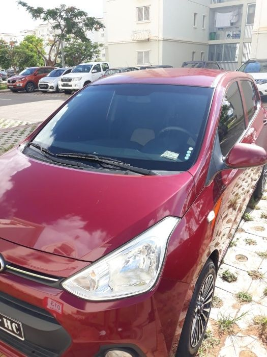 Hyundai grand i10 semi novo