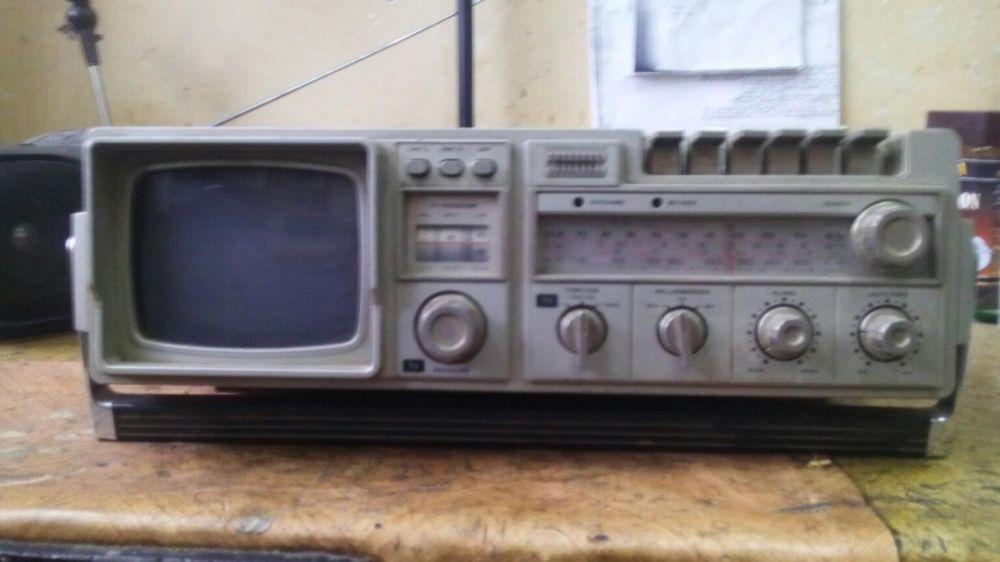 Radiocasetofon universum cu tv radio vintage