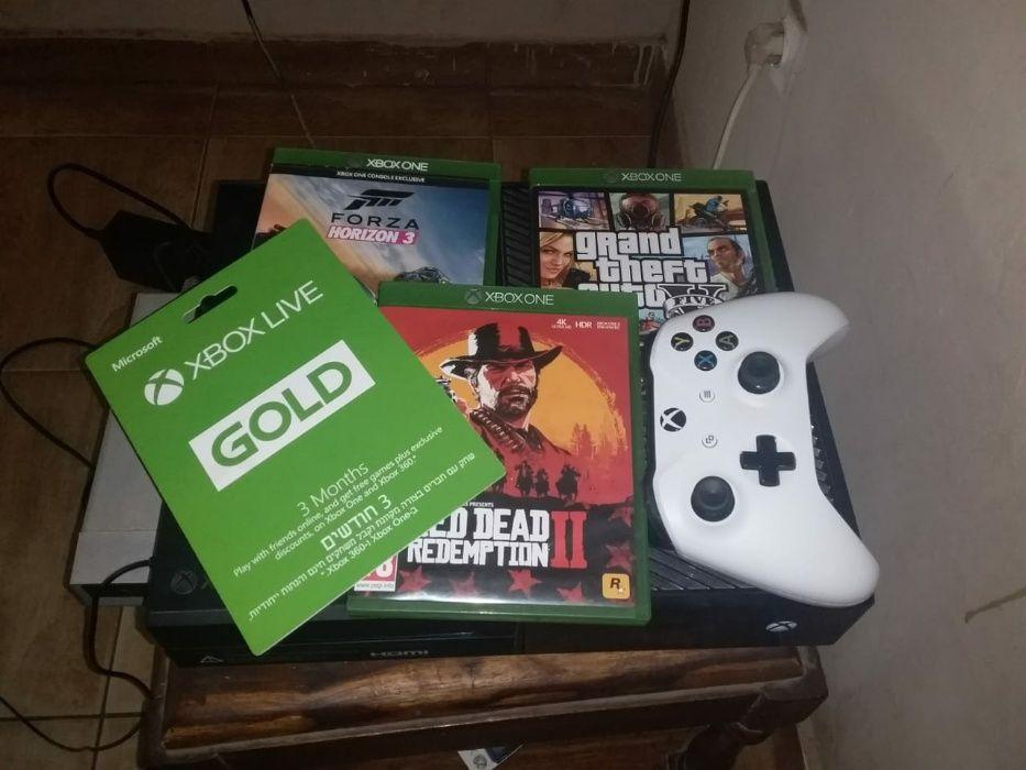 Xbox One com RDR II e Forza horizon3 e xbox live com 12jogos free