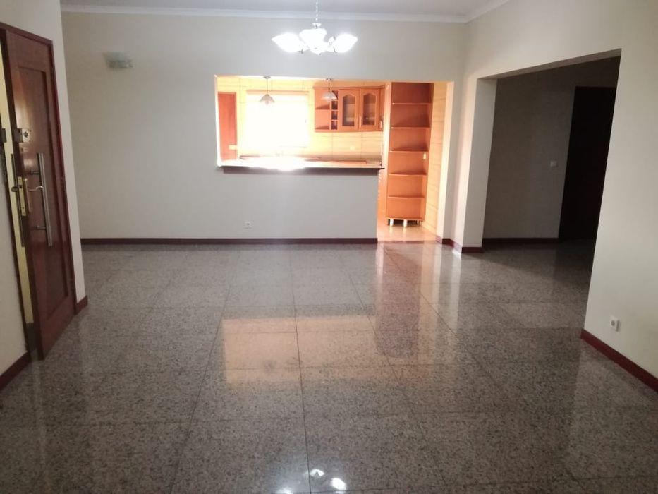 Arrenda-se apartamento T3 no condomínio Sommershield Polana - imagem 2
