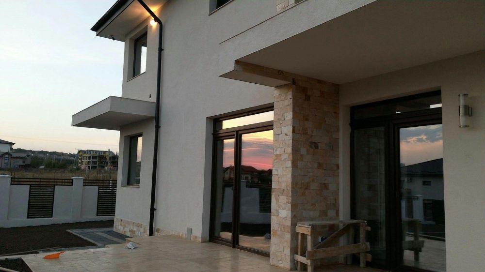 Tâmplărie PVC si Aluminiu - Uși/Ferestre cu geam termopan