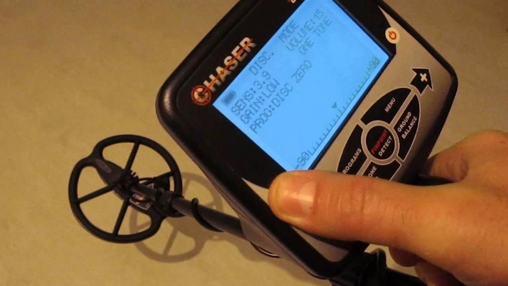 Noul detector de metale Detech Chaser 14 kHz