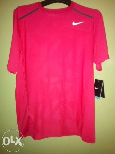Nike тениска - нова