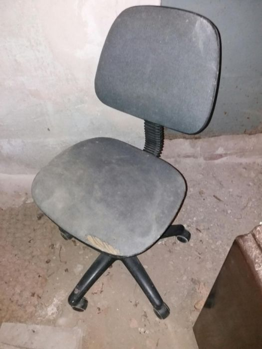 Scaun birou ergonomic pe rotile