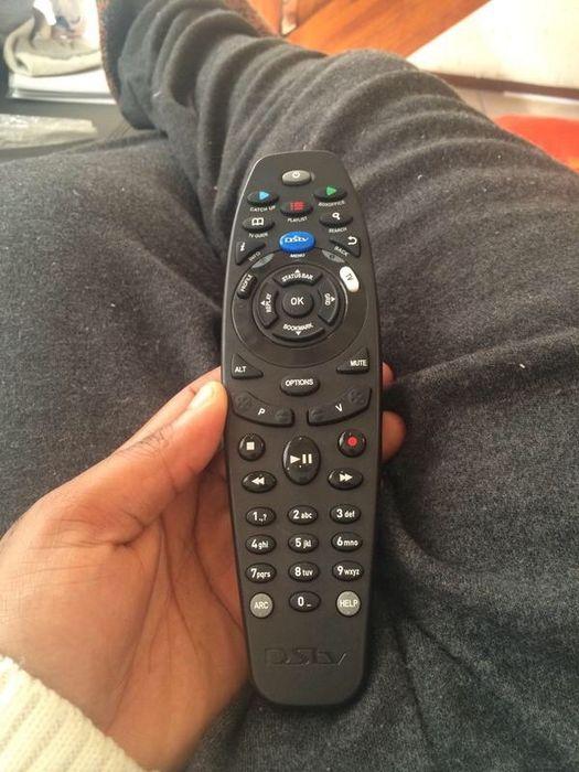 Remote da DSTV Explora