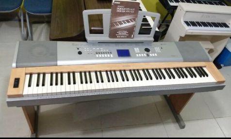 Piano á venda