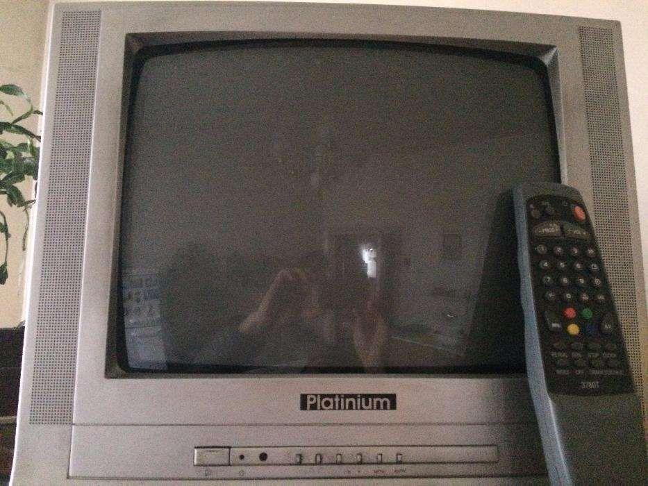 TV color Platinium diagonala 37 cm telecomanda