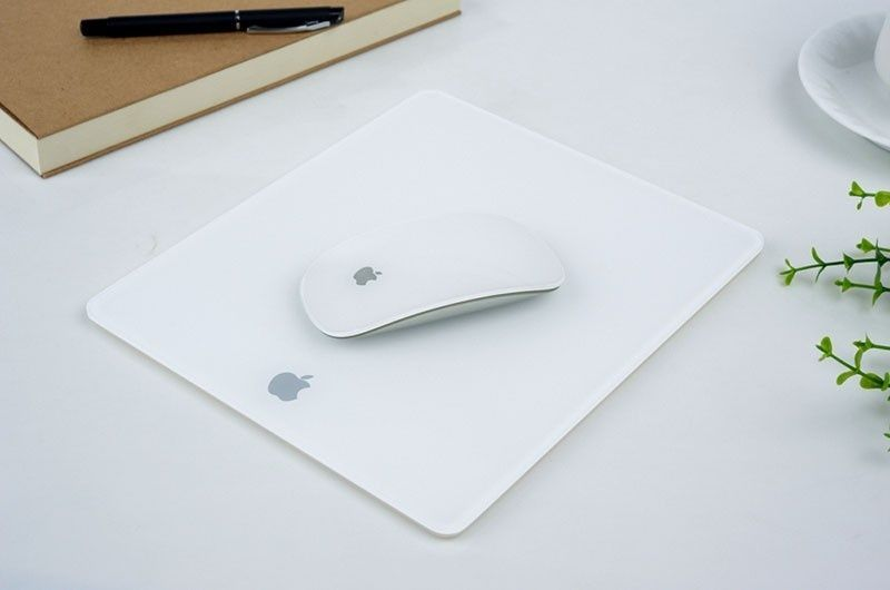 MousePad Apple MacBook Plexiglass 2 culori top-gaming NOU + CADOU!