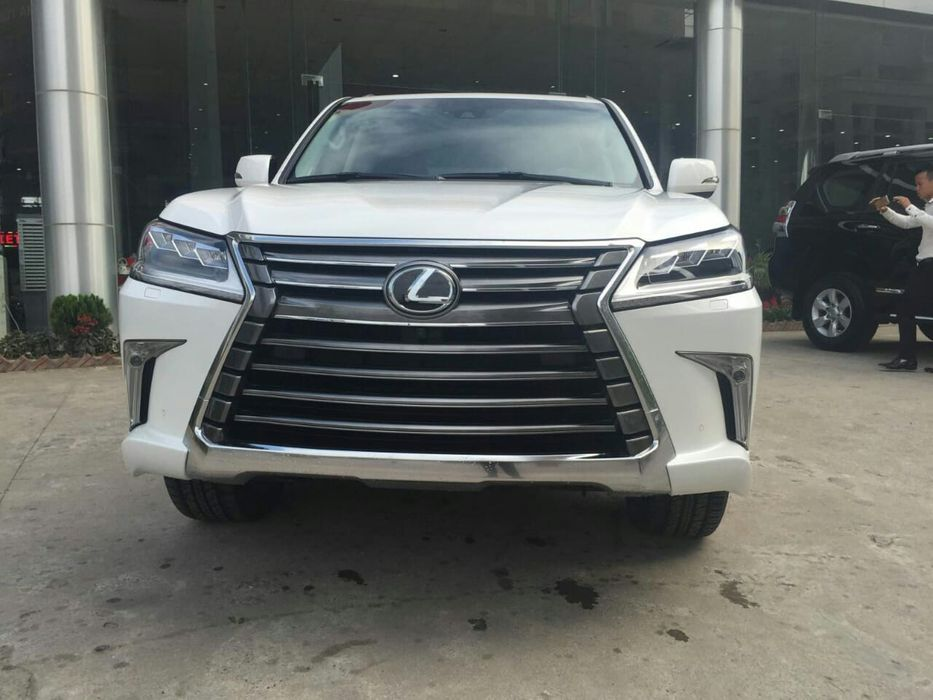 Promoção de viaturas Lexus