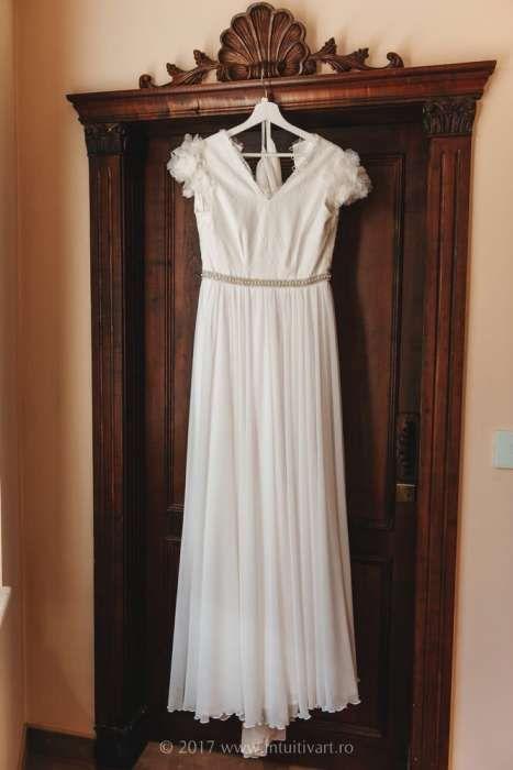 Vand rochie de mireasa + voal lung + CADOU accesoriu de par