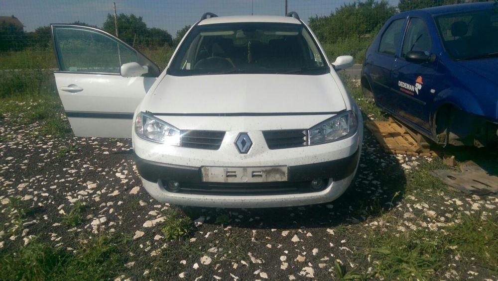 Dezmembrez Renault megane 1,5 dci an fabricație 2004