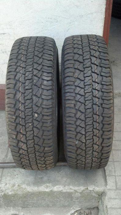 Vendo 2 pneus novos 205/70r15