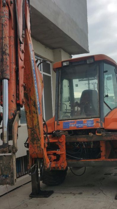 Fiat Hitachi FB 200,New Holland dezmembrez Craiova - imagine 2