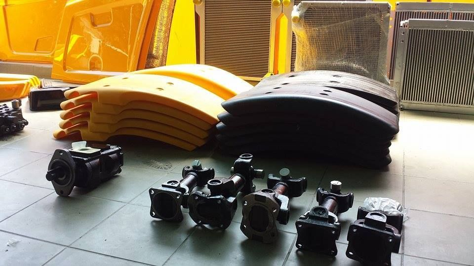 Aparatori noroi JCB depozit piese buldoexcavatoare si miniexcavatoare