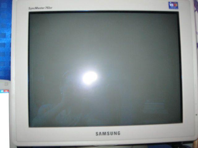 Продам ламповый монитор Samsung
