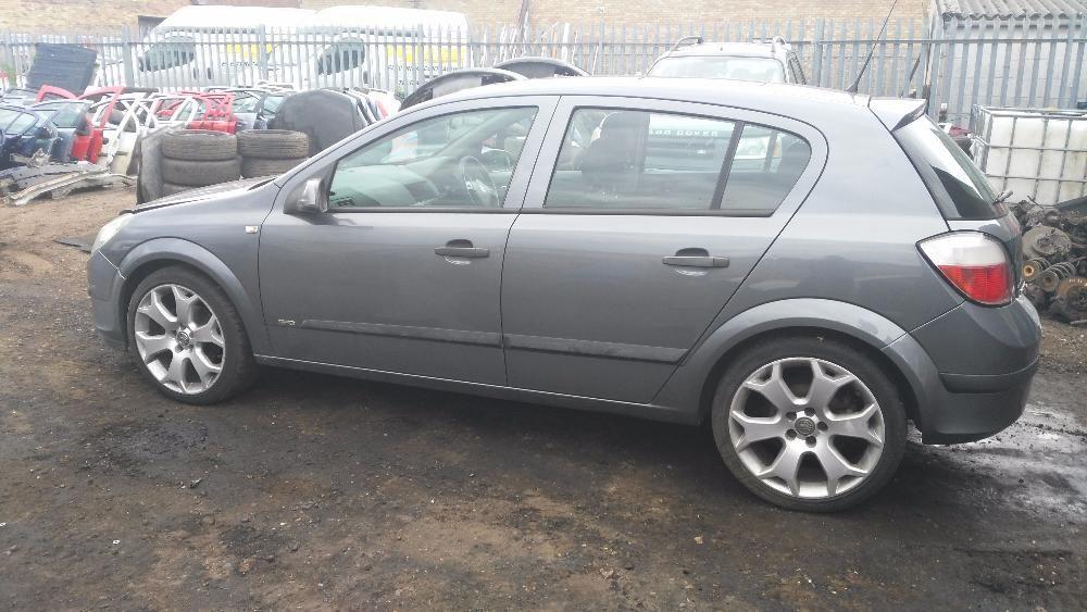 Dezmembrez Opel Astra H 1.6 XEP PANORAMIC