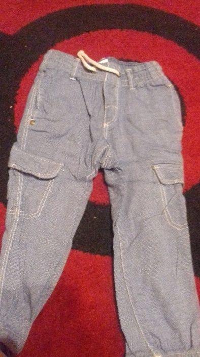Pantaloni de in bebe