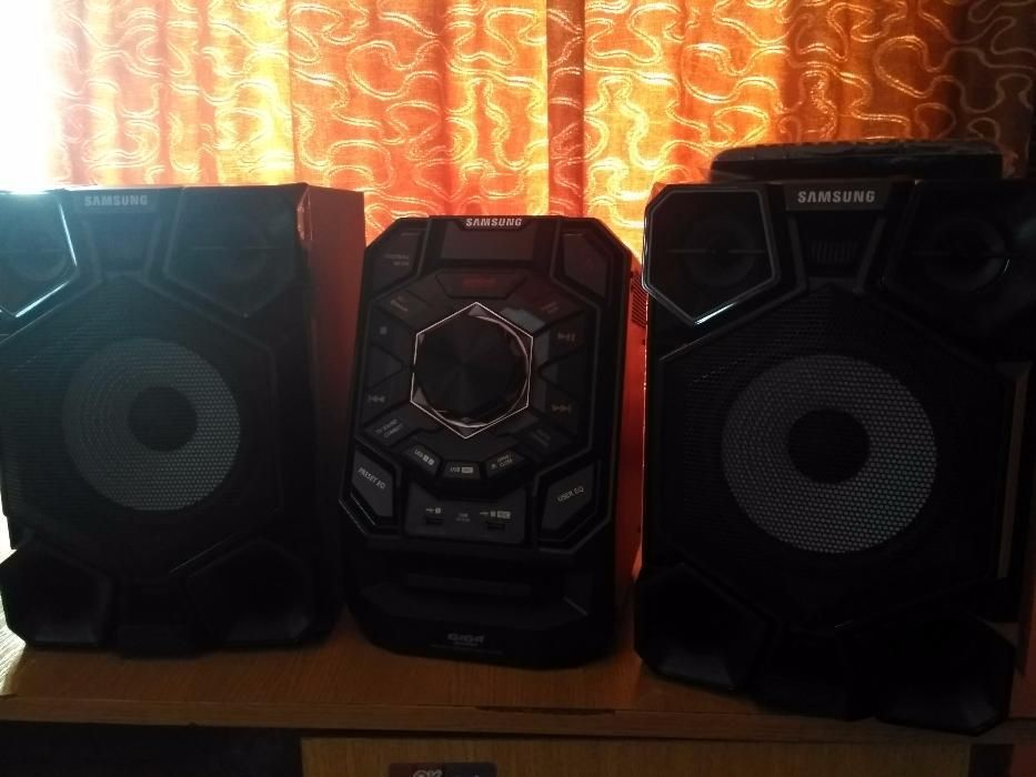 Minisistem audio Samsung MX-J730, 600W, Bluetooth