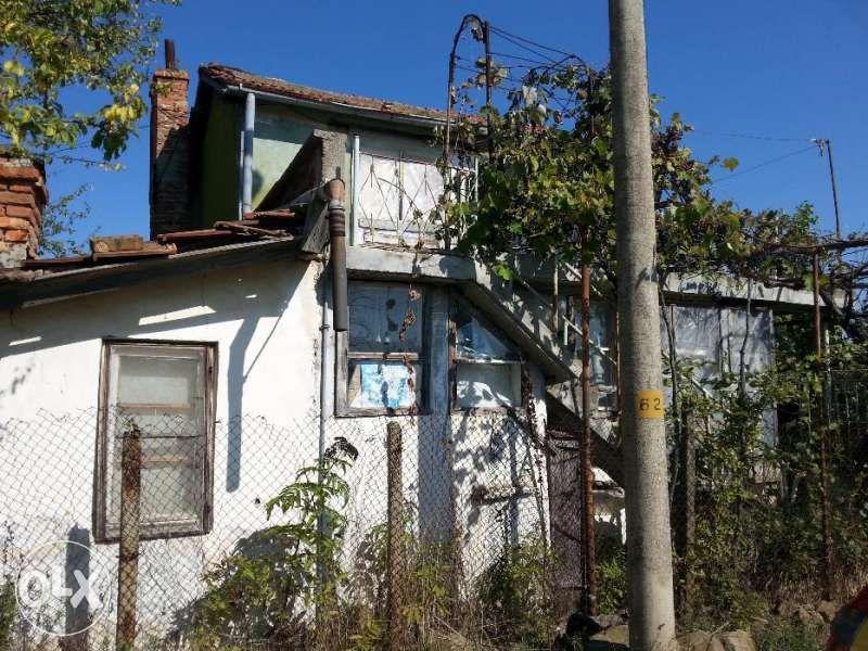 Къща в живописното село Паницово