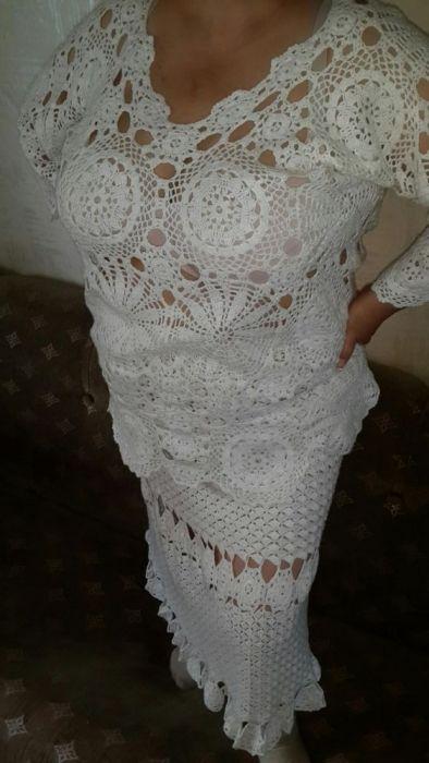 Вязаный женский костюм.
