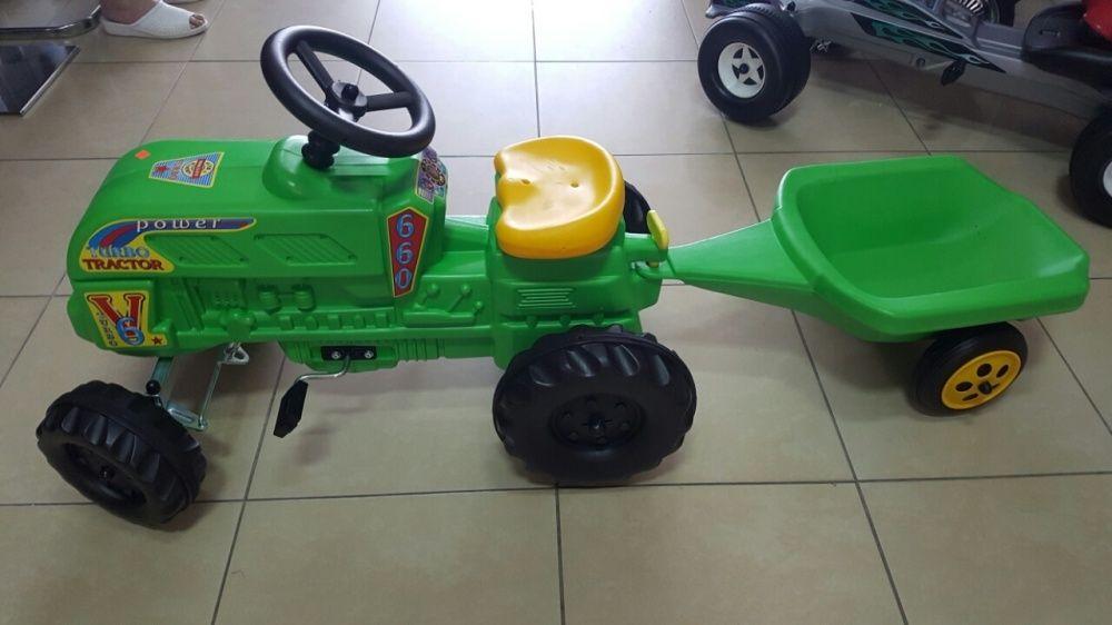 Tractor cu remorca cu pedale