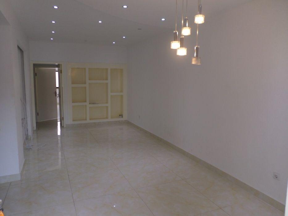 Apartamento T.1 luxuoso para arrendar.