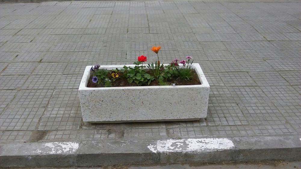 Доставка и монтаж на бетонови кашпи/саксии