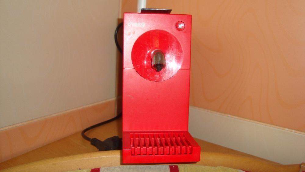 Expresor cremesso rosu