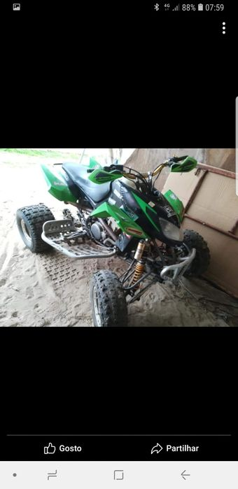 Moto 4 dvx400