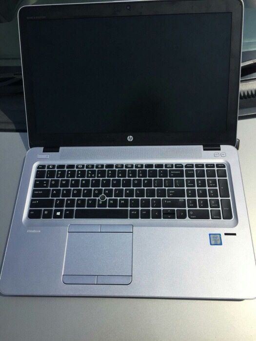 Laptop hp EliteBook 850 G3 intel core core i5-6600U CPU 2.6 4gb ram D