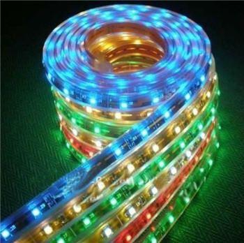 Свето-диодное освещение и подсветка интерьера потолков одежды костюмов