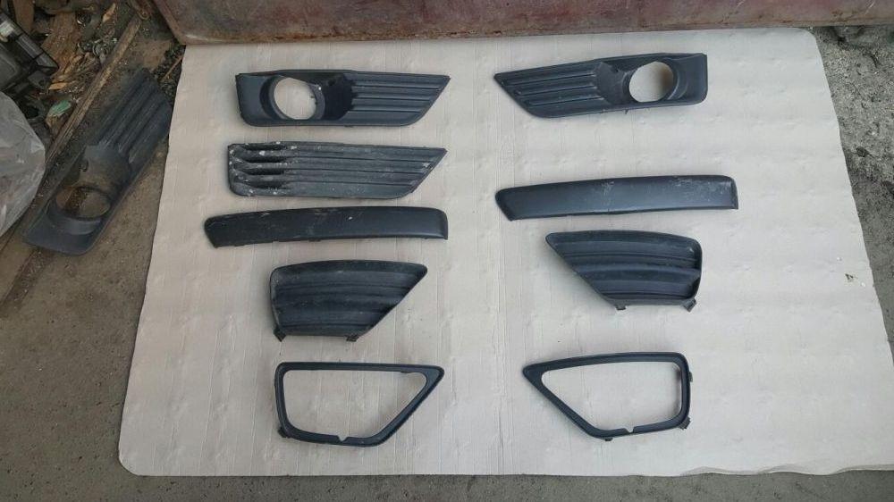 Grila,rama proiector, Ford Focus,bandou,grila,Ford Focus 2