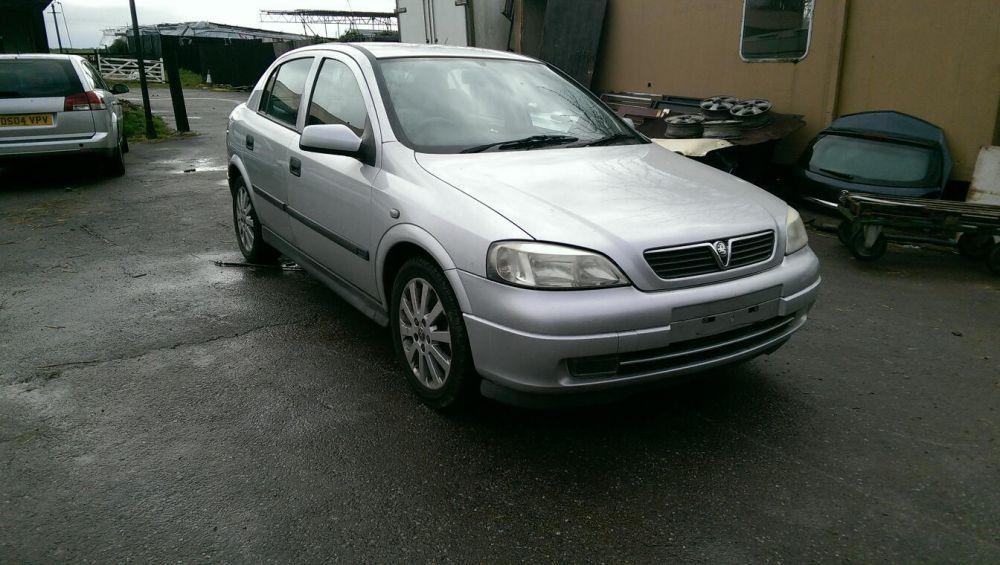 Dezmembrez Opel Astra G 1.8