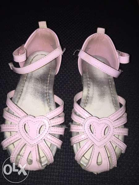Лачени сандали Н&М, номер 27