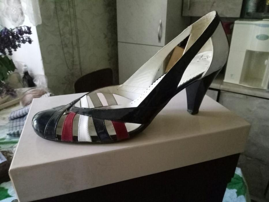 обувь летняя женская р-р 39-40