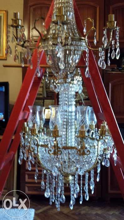 Candelabru deosebit din cristal de Bohemia cu 12 brate si doua aplice