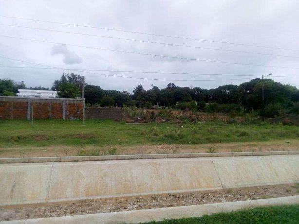 50x100 na estrada Dona Alice em Frent da Escola Mandela.