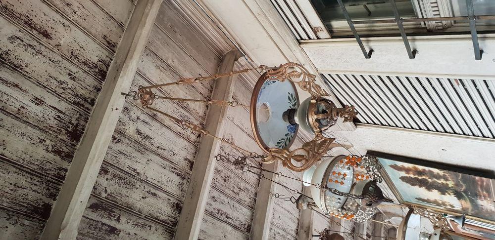 Lampa tavan din fonta , turnat , vintage , abajur maiolica pictată