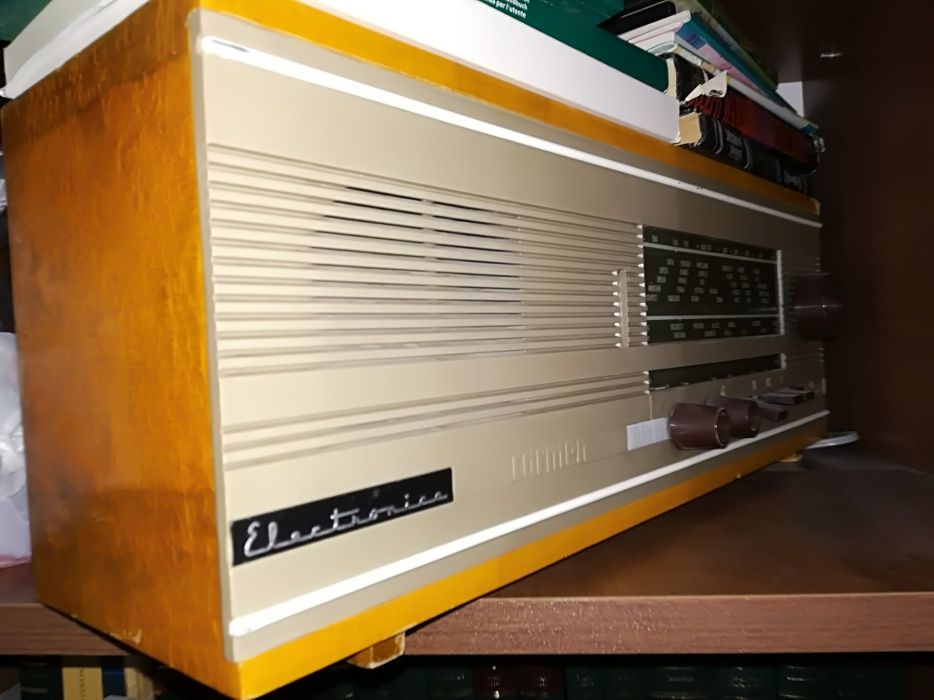 Radio Carmen - Electronica