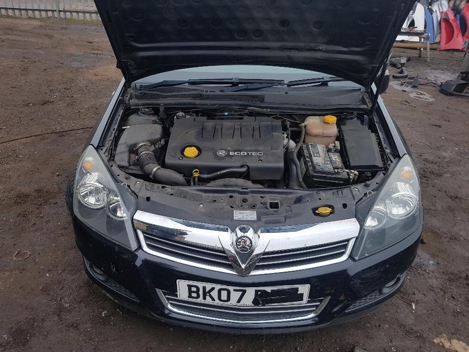 Dezmembrez Opel Astra H FACELIFT 1.9 120 HP