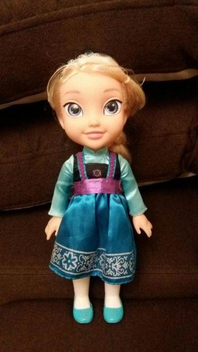 Elsa cu patine
