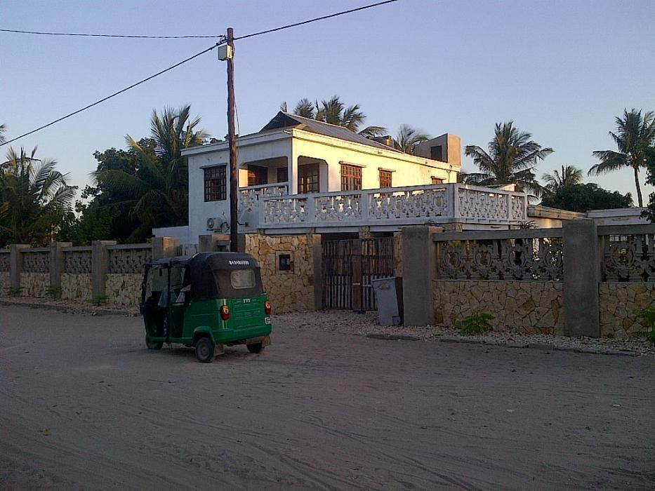 Arrenda se Belissima casa tipo 7 Res de chao 1andar em Vilankulos