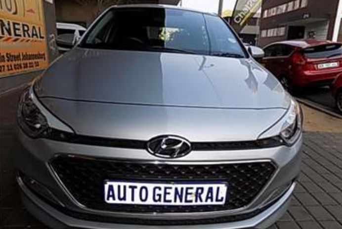 Hyundai i20 a venda.