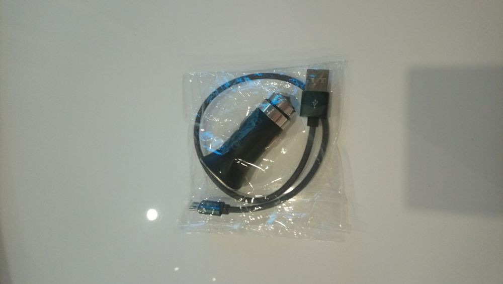 Bluetooth слушалки+ Зарядно за автомобил1