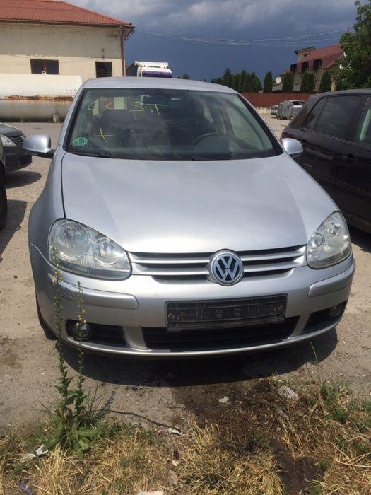 Dezmembram Volkswagen Golf 5 1.9 diesel Coupe tip motor BLS din 2008