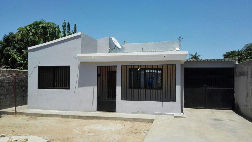 Vende se casa tipo 2 na Matola Rio